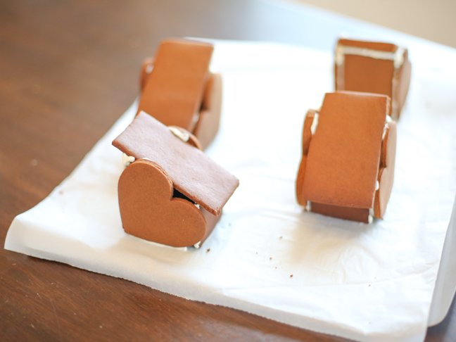 Heart gingerbread houses