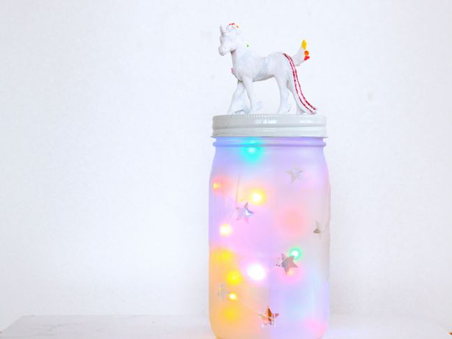 white-and-rainbow-unicorn-on-top-of-a-mason-jar-with-colorful-lights-diy-night-light-for-kids