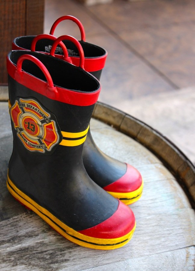 kids-firefighter-rain-boots
