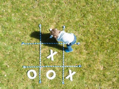 outdoor-tic-tac-toe-game