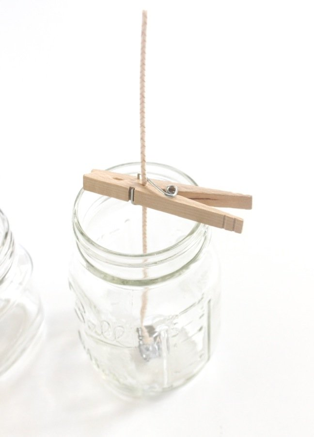 mason-jar-with-clothespin-and-candle-wick