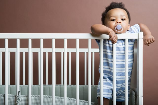 Here's How You Can Gently Transitioned Your Baby To Their Crib