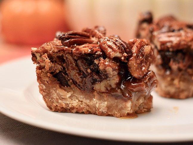 Thanksgiving Dessert With A Twist: Chocolate Pecan Pie Bars
