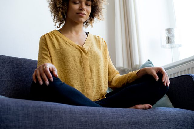 5 Meditation Tips for Beginners Who Want to Meditate for 5 Minutes a Day