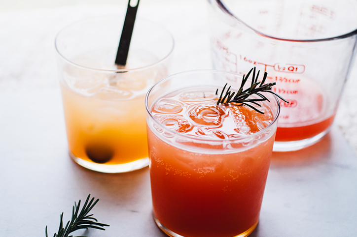 15 Delicious Mocktails To Help You Survive a Summer Pregnancy