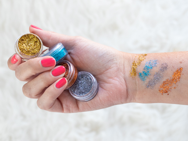 Teens Can Make Their Own Glitter Eyeshadow in Minutes