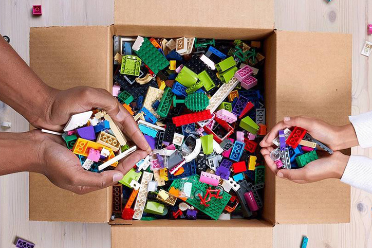 You Can Now Donate Old LEGOs Through LEGO Replay So Let The Decluttering Begin