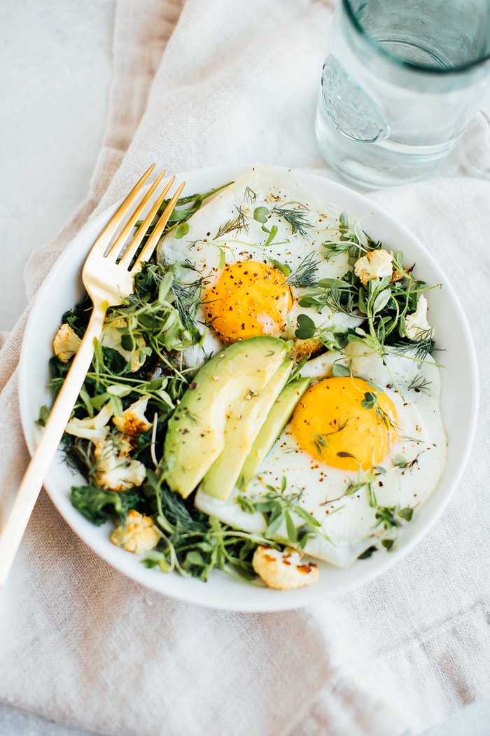 Breakfast Egg & Greens Bowl