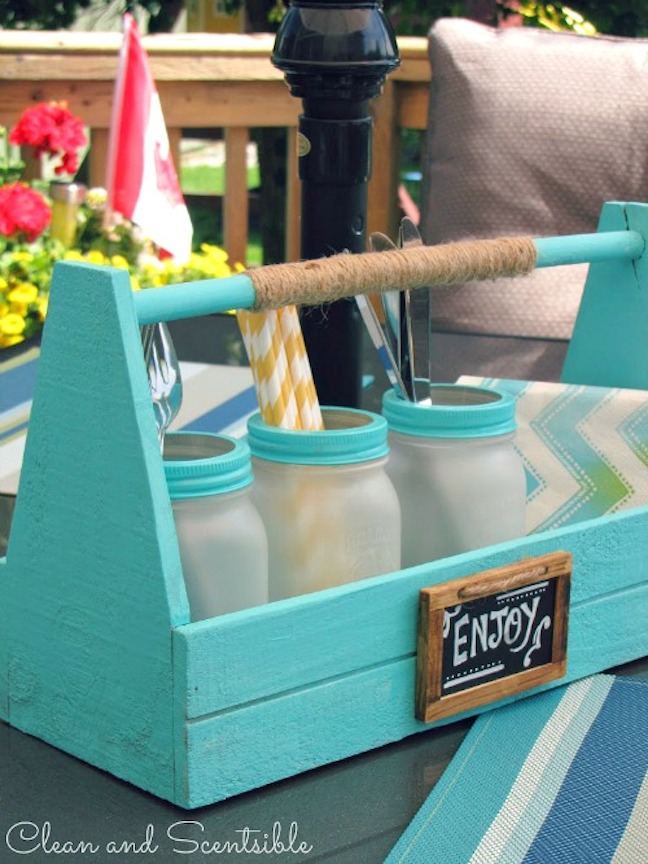 Entertain With: a Jar Picnic Caddy