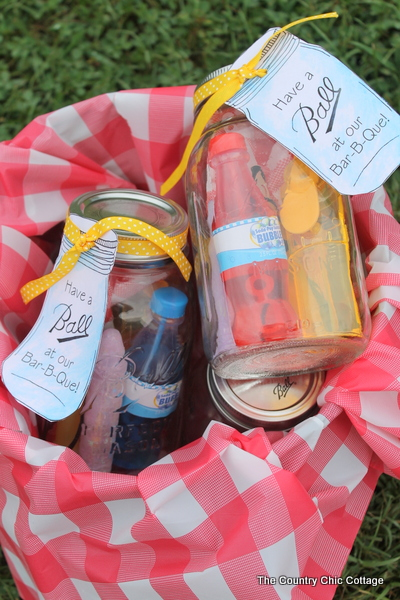 Entertain with Some BBQ Party Favor Jars