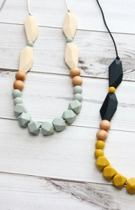 Modern Mommy Teething Necklace
