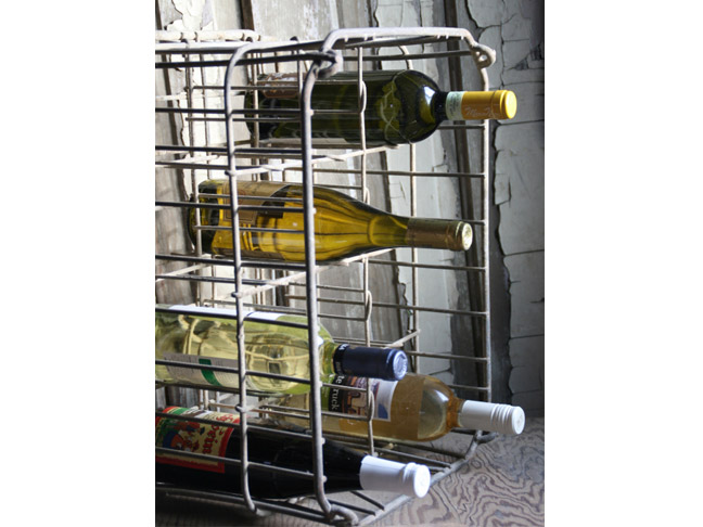 51 awesome diy wine racks you can make right now for Crate wine rack diy