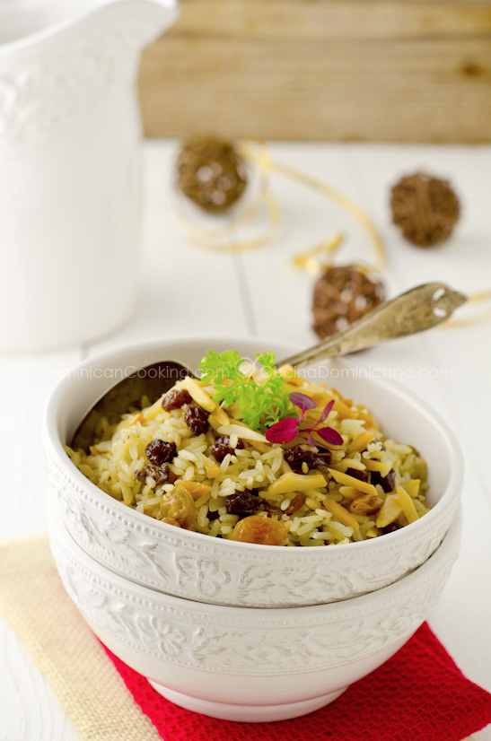 Christmas Rice with Almonds and Raisins